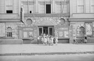 Benjamin Shahn - Children lined up at enterance to Casino Cinema