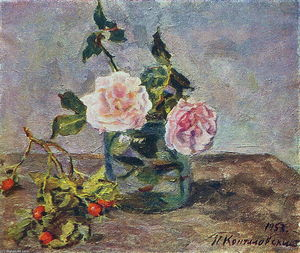 Pyotr Konchalovsky - Two roses and dogrose berries