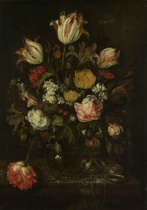 Abraham Hendriksz Van Beijeren - Bouquet of flowers in a glass vase (1650) (64 x 46) (Amsterdam, The State Museum)
