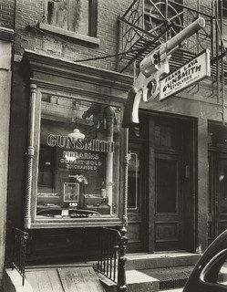 Gunsmith, 6 Centre Market Place, Manhattan, Print by Berenice Abbott (1898-1991, United States)