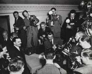 Weegee (Arthur Fellig) - Thomas E. Dewey and Photographers