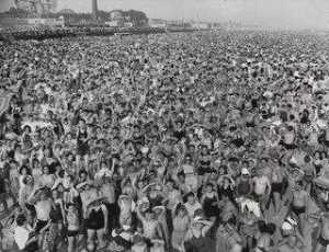 Order Art Reproductions | Coney Island, 1940 by Weegee (Arthur Fellig) | WahooArt.com